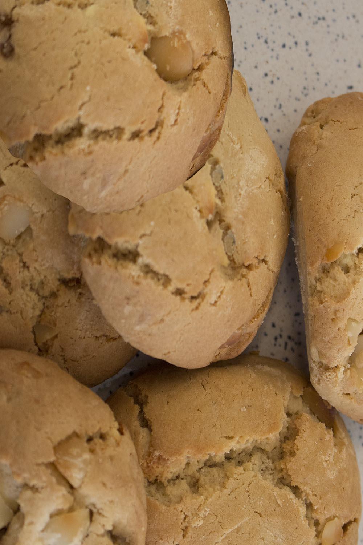 Cookies - White Choc Macadamia        6 Pack